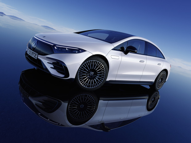 Фото №1 - Mercedes-Benz представил электрический S-класс, который вообще не похож на Mercedes-Benz