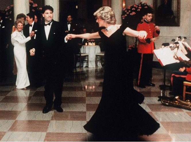 Фото №1 - Знаменитое платье принцессы Дианы обрело романтическую судьбу