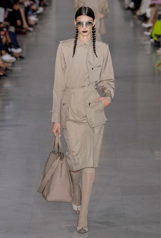Фото №11 - Асимметрия, деним и карго: самые модные юбки лета 2020