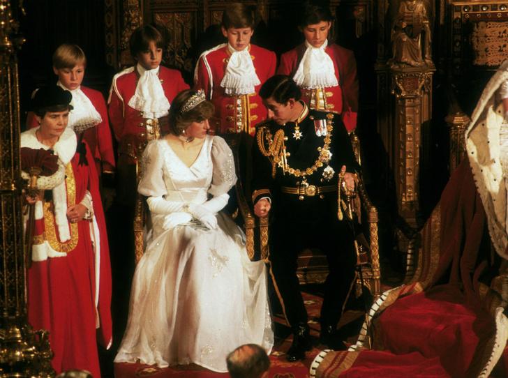 Фото №3 - Проверка временем: как Королева испытывала Камиллу (и почему Диане было легче)