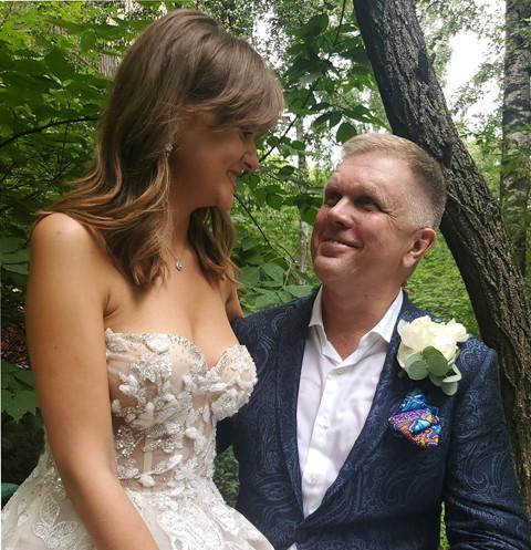 Фото №1 - 53-летний «летописец Путина» Андрей Колесников женился на девушке, которой годится в отцы