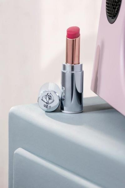 Фото №3 - Красивый уход и капля объема: Lancome представляет первый оттеночный бальзам для губ