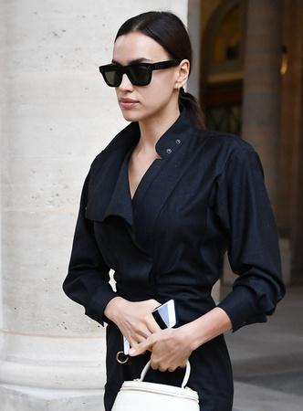 Фото №11 - Как одевается самая модная российская топ-модель: 6 правил стиля Ирины Шейк