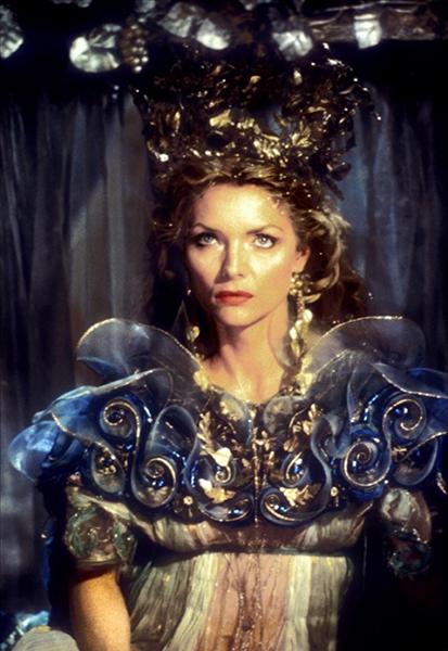 Фото №26 - Сказочная мода: 50 волшебных нарядов из фильмов нереальной красоты