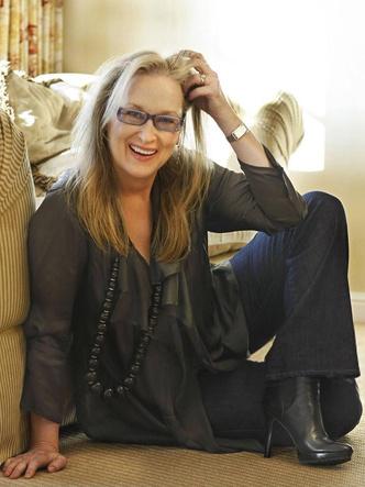 Мерил Стрип, звезды, стиль звезд, знаменитости, голливуд, стильные образы, женственность, прозрачная блуза, купить джинсы, тотал блэк