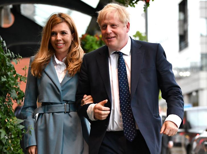 Фото №1 - Британский хэппи-энд: Борис Джонсон и Кэрри Симондс помолвлены и ждут ребенка