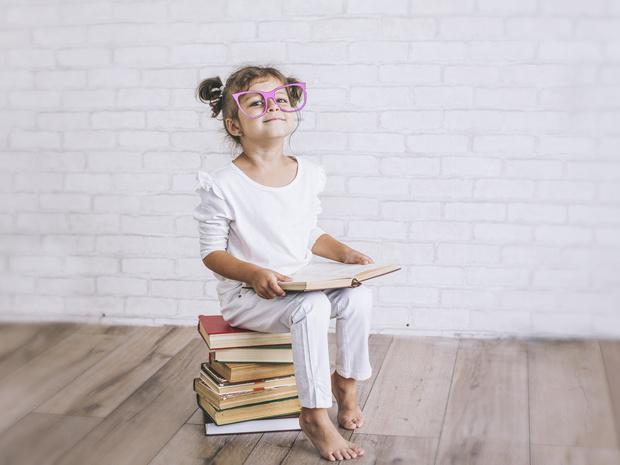 Фото №1 - Школьные занятия, которые убивают зрение ребенка