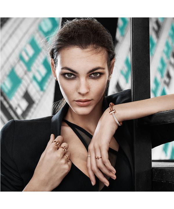 Ненарочитая роскошь: новая линия украшений Tiffany T1