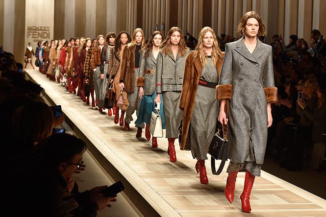 Фото №1 - Fashion director notes: акценты и детали в показе Fendi в Милане
