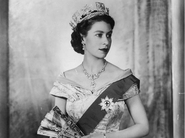 Фото №2 - Не только королева: как менялся титул Елизаветы II на протяжении ее жизни