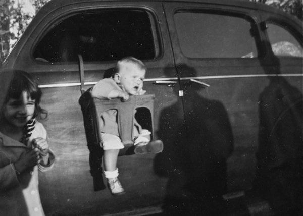 Фото №13 - «Дорогая, я пристегнул детей!»: какими были детские кресла полвека назад (12 странных приспособлений)