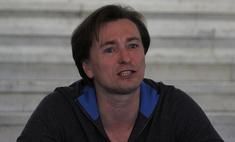 Сергей Безруков: «Высоцкого пою так, что сердце пополам!»