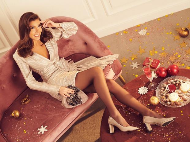 Фото №1 - Звезды сошлись: Кети Топурия представила новогоднюю коллекциюAlla Pugachova
