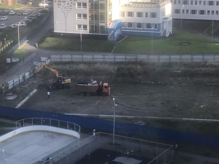 Фото №1 - Из центра «Яблонь» вывезли бетонные блоки: ранее прокуратура назначала их экспертизу