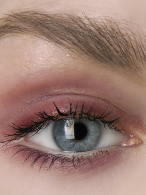Фото №3 - Макияж по цвету глаз: как правильно расставить акценты