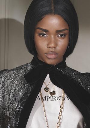 Фото №3 - Кружевные платья и викторианские воротнички: H&M представил новую коллаборацию с The Vampire's Wife