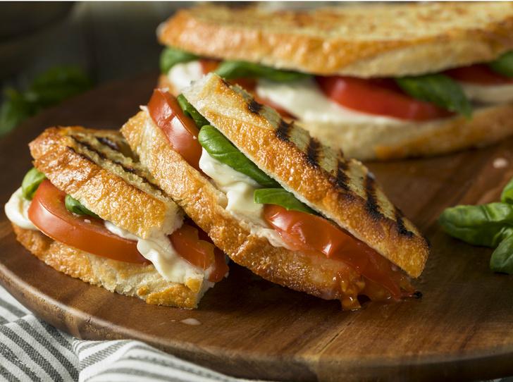 Фото №6 - Правильное утро: 5 рецептов вкусных и полезных бутербродов