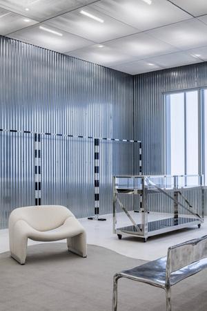 Фото №5 - Флагманский бутик Off-White по дизайну Вирджила Абло и AMO