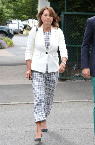 Фото №13 - Гардероб Кэрол Миддлтон: как одевается мама герцогини Кембриджской