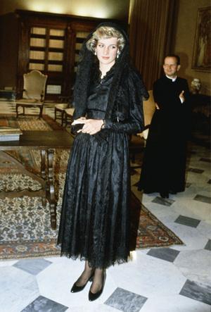 Фото №21 - Никто не идеален: самые неудачные наряды принцессы Дианы