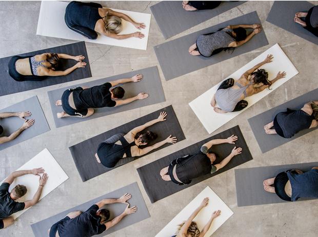 Фото №1 - На ковер: что нужно знать, отправляясь на йогу