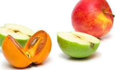 Салат из хурмы и яблок с орехами