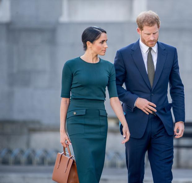 Фото №2 - СМИ: Принц Чарльз намерен вычеркнуть Гарри и Меган из состава королевской семьи