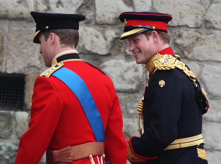 Фото №2 - Как принц Уильям отомстил принцу Гарри на свадьбе