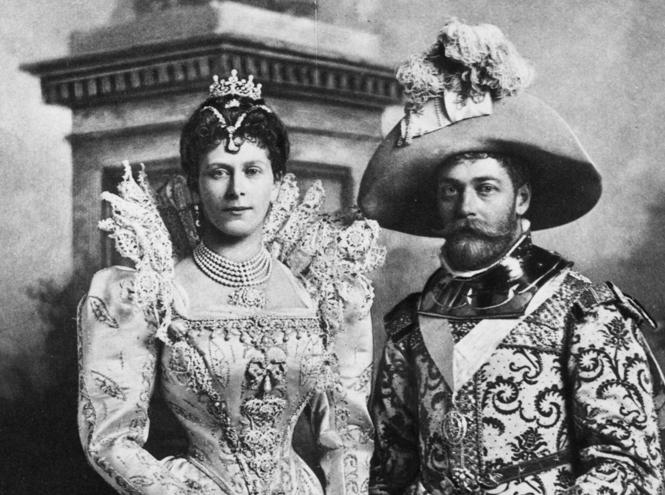 Фото №5 - Как королева намекнула на связь с Меган на свадьбе