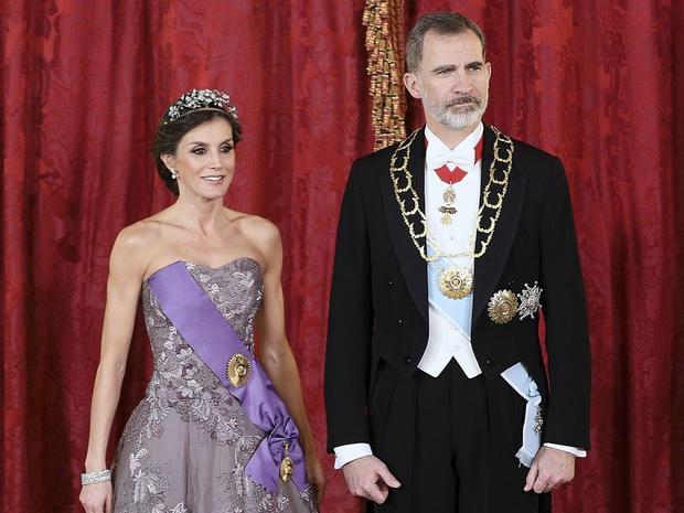 Фото №1 - Почему Филипп и Летиция могут стать последней королевской парой Испании