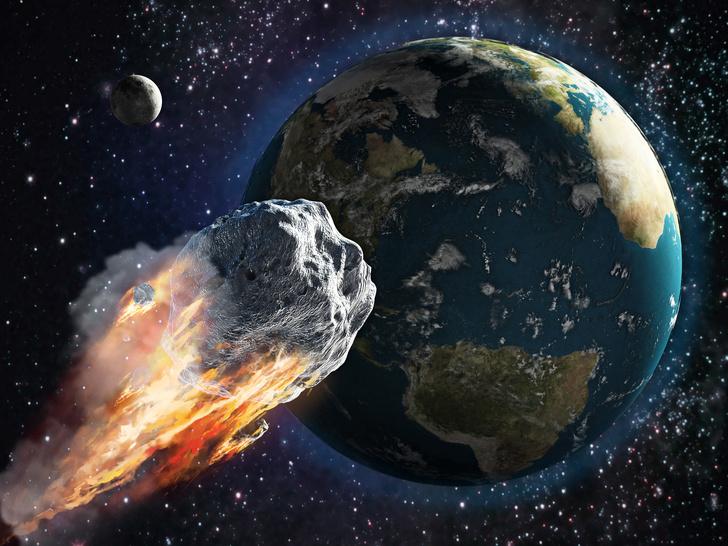 Фото №1 - К Земле приближается астероид размером с пирамиду Хеопса