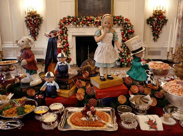 Фото №12 - Встречаем рождество по-королевски: 10 правил этикета за столом