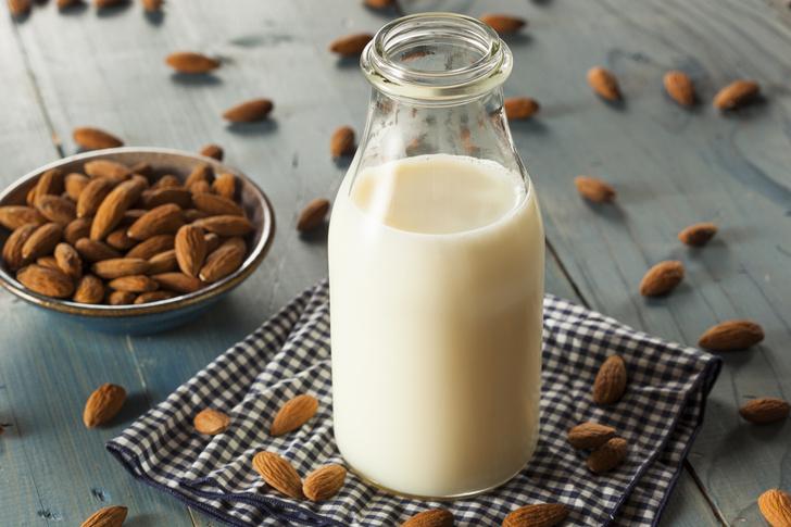 продукты для похудения, как похудеть, миндальное молоко польза