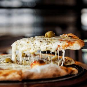Фото №7 - Гадаем на пицце: какой язык тебе стоит выучить? 🍕