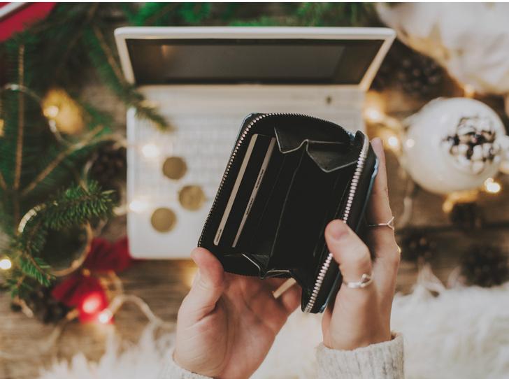 Фото №4 - «Плохие» подарки: что не стоит дарить согласно приметам и суевериям (и почему)