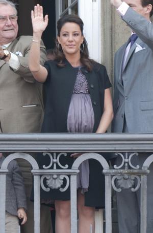 Фото №27 - Беременна будущим королем: принцессы и королевы в положении (фото)