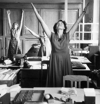Фото №1 - Утренняя гимнастика в СССР: как делали зарядку наши бабушки