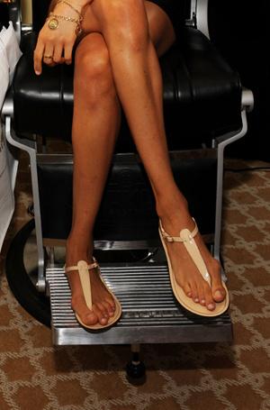 Фото №3 - Что говорят о характере Меган и Кейт их ноги