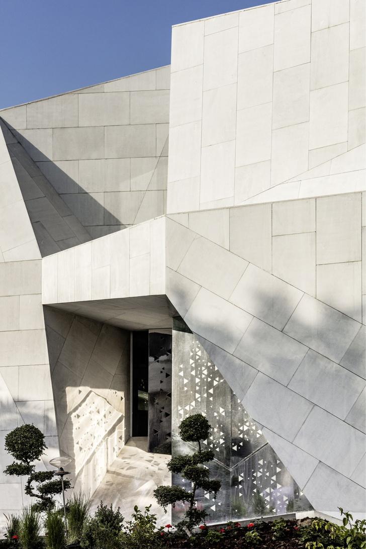 Фото №2 - Необычный дом-оригами в Кувейте: проект студии AGi Architects