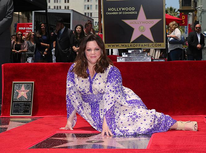 Фото №1 - Мелисса МакКарти удостоена звезды на Аллее cлавы