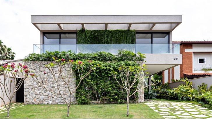 Фото №11 - Дом c панорамными окнами в Бразилии