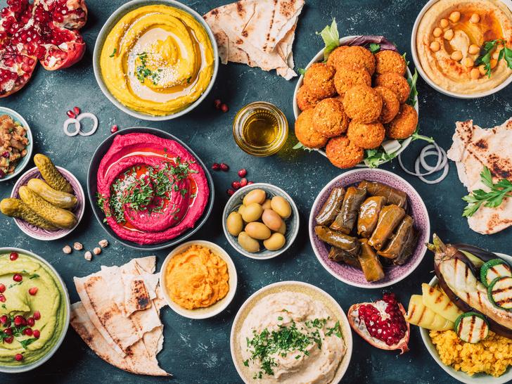 Фото №1 - От форшмака до хумуса: 5 знаковых блюд еврейской кухни