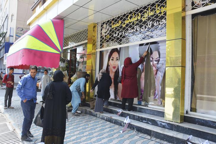 Фото №8 - Свобода за чадру: что станет с женщинами Афганистана при «Талибане»