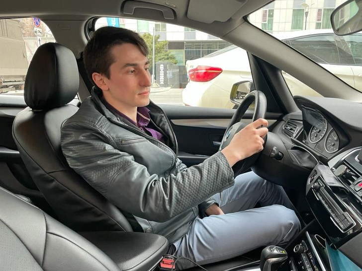 Фото №1 - Откровения московского таксиста: о клиентах, чаевых и поисках Останкинской башни