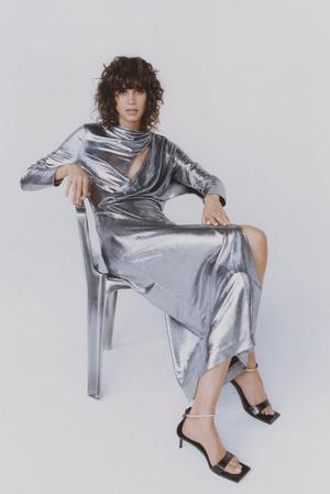 Фото №23 - Самые модные наряды для встречи Нового 2021 года: 6 главных трендов