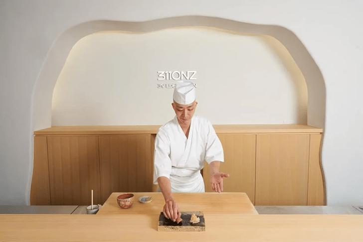 Фото №6 - Ресторан-галерея в Токио