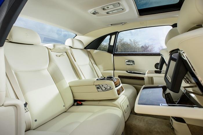Фото №7 - Классовые различия: любительский тест-драйв Rolls-Royce Ghost