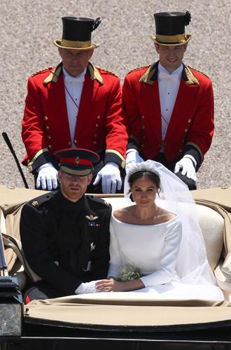 Фото №8 - Как был сделан самый известный свадебный снимок принца Гарри и Меган Маркл