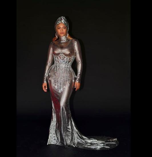 Безудержное сияние: Бейонсе показала свой образ на афтепати «Грэмми»