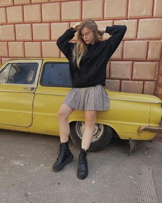 Фото №3 - Блогер Даша Козловская показала стильный повседневный образ для учебы